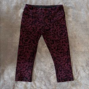 Lucy.com Cropped Leggings